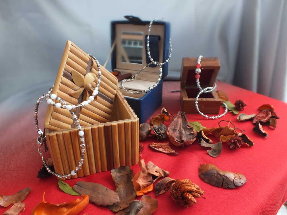 braccialetti collanine orecchini Accessori Moda Mimì Colonna Bijoux