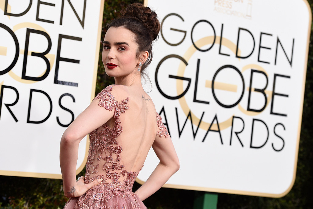 lily-collins-golden-globes-2017