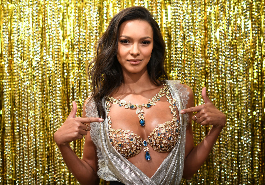NEW YORK, NY - NOVEMBER 01: Victoria's Secret Angel Lais Ribeiro reveals the $2 Million 2017 Champagne Nights Fantasy Bra on November 1, 2017 in New York City. (Photo by Dimitrios Kambouris/Getty Images for Victoria's Secret)
